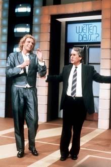 13. Dezember 1986: Moderator Frank Elstner stellt seinen Nachfolger Thomas Gottschalk vor. Er moderierte die Sendung 39 Mal, Thomas Gottschalk macht sie zur erfolgreichsten Abend-Show Europas.
