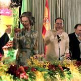4. Juli 2012: Königin Sofia von Spanien ist auf Staatsbesuch auf den Philippinen und wird im Malacaan Palast von Präsident Benig