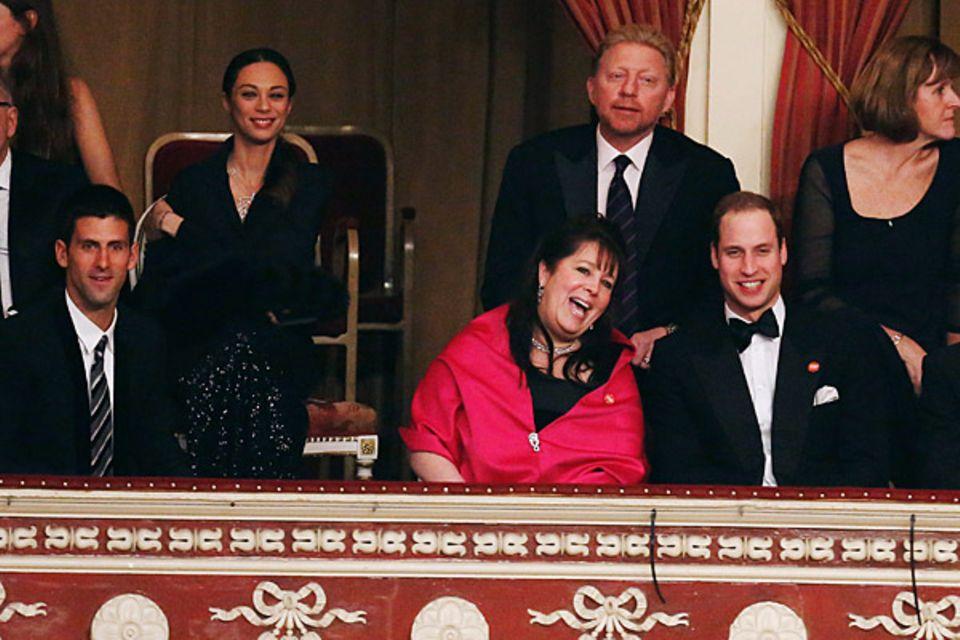 """8. Dezember 2012: Prinz William gibt sich die Ehre auf der """"Winter Whites Gala"""" in London. Mit dabei sind auch Novak Djokovic, L"""
