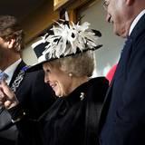 22. November 2012: Daumen hoch! Königin Beatrix empfängt den Präsident der Slowakei Ivan Gasparovic auf dem High Tech Campus in