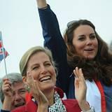 2. September 2012: Gräfin Sophie und Herzogin Catherine jubeln bei den Paralmpics den britischen Athelten zu.
