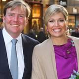 8. Februar 2012: Prinz Willem-Alexander begleitet Prinzessin Máxima nach Den Haag, wo der Prinzessin der Machiavellipreis verlie