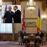 11. Juni 2012: Prinz Charles ist auch Staatsbesuch in Rumänien, wo er in Bukarest mit Präsident Traian Basescu eine Tasse Tee tr