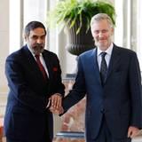 26. Juni 2012: Prinz Philippe von Belgien trifft in Brüssel den indischen Handelsminister Anand Sharma.