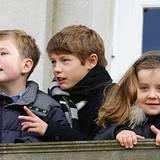4. November 2012: So jung und schon so beschäftigt: Die Prinzen Christian und Felix sowie Prinzessin Isabella von Dänemark schau