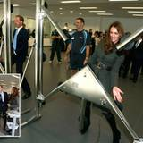"""9. Oktober 2012: Prinz William und Herzogin Catherine eröffnen das Fußball-Zentrum """"St. George's Park National Football Centre"""""""