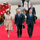 29. Mai 2012: Königin Silvia und König Carl Gustaf von Schweden treten zum Staatsbesuch in Südkorea an.