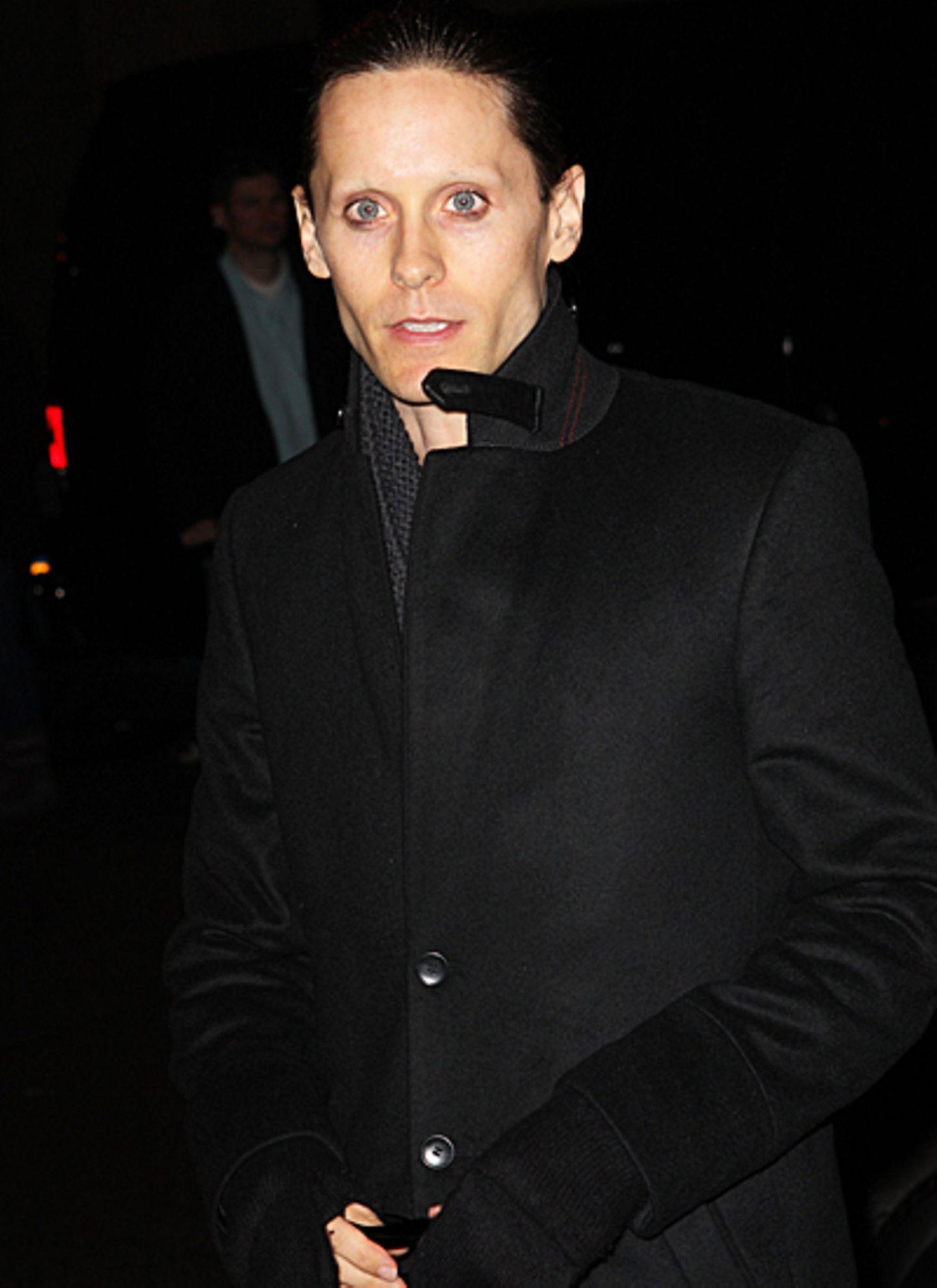 """26. November 2012: Jared Leto nimmt an der Verleihung der """"Gotham Awards"""" in New York teil und sogar einen mit nach Hause - und"""