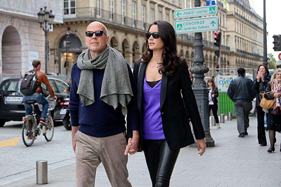 16. Oktober 2012: Bruce Willis und seine Frau Emma Heming machen einen Streifzug durch Paris.