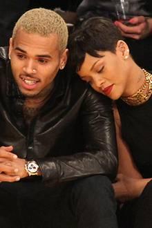 25. Dezember 2012: Chris Brown und Rihanna zeigen sich bei einem Spiel der Lakers ganz kuschelig.