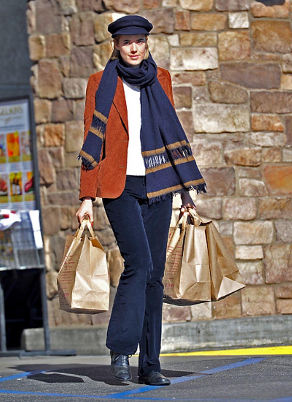 27. Dezember 2012: Agyness Deyn ist in Hollywood auf Shoppingtour.