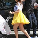 11. Oktober 2012: Auch wenn Kourtney Kardashian nur kurz mit Baby Penelope rausgeht, verzichtet sie nicht aufs perfekte Styling.