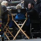 21. November 2012: Naomi Watts und Sohn Samuel besuchen Papa Liev Schreiber am Set in Manhattan.