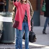5. Dezember 2012: Olivia Palermo versucht in New York ein Taxi zu erwischen.