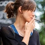 """9. Juli 2012: Keira Knightley ist für """"Can A Song Save Your Life"""" unter die Raucher gegangen."""