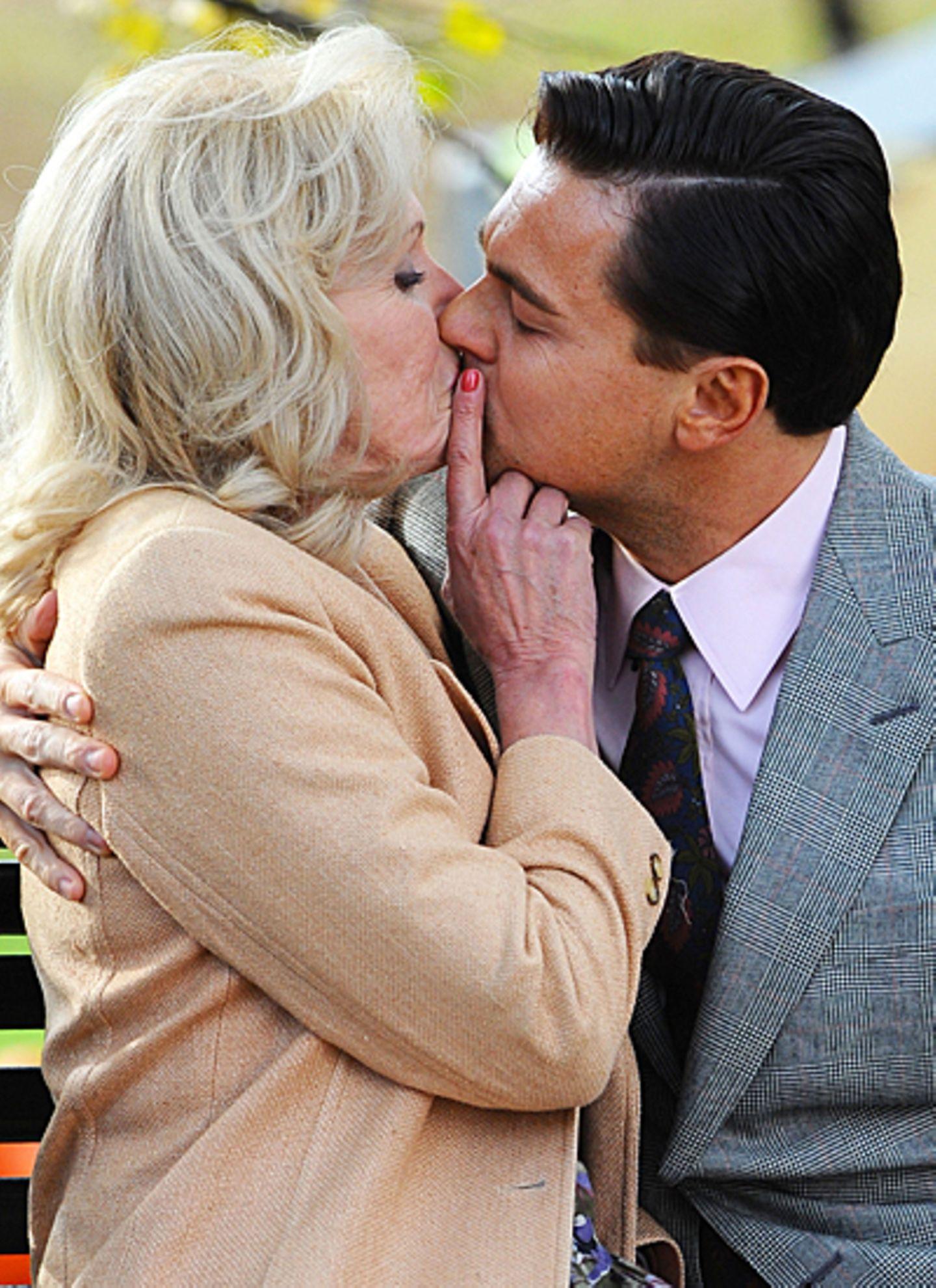 20. November 2012: Nein, Leonardo DiCaprio hat nach der Trennung von Model Erin Heatherton nicht seine Vorliebe für ältere Damen