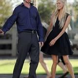 """9. August 2012: Mitten in Santa Monica stehen Christian Bale und Isabel Lucas für den Film """"Knight of Cups"""" von Terrance Malick"""