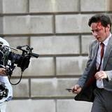 25. September 2012: Der Regisseur Danny Boyle postet bei Facebook ein Bild von James McAvoy bei Dreharbeiten zu seinem neuen Fil