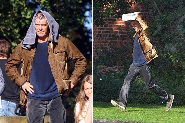 """5. September 2012: Für """"A Long Way Down"""" kommt Pierce Brosnan ganz schön ins Schwitzen. Gedreht wird in London."""