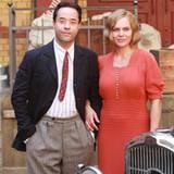 """29. August 2012: Jan Josef Liefer und Anna Loos stehen in Leipzig für den Film """"Nacht über Berlin - Der Reichstagsbrand"""" vor der"""