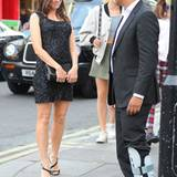 """14. August 2012: Naomi Watts und der britische Schauspieler Naveen Andrews stehen für """"Caught In Flight"""" in London vor der Kamer"""