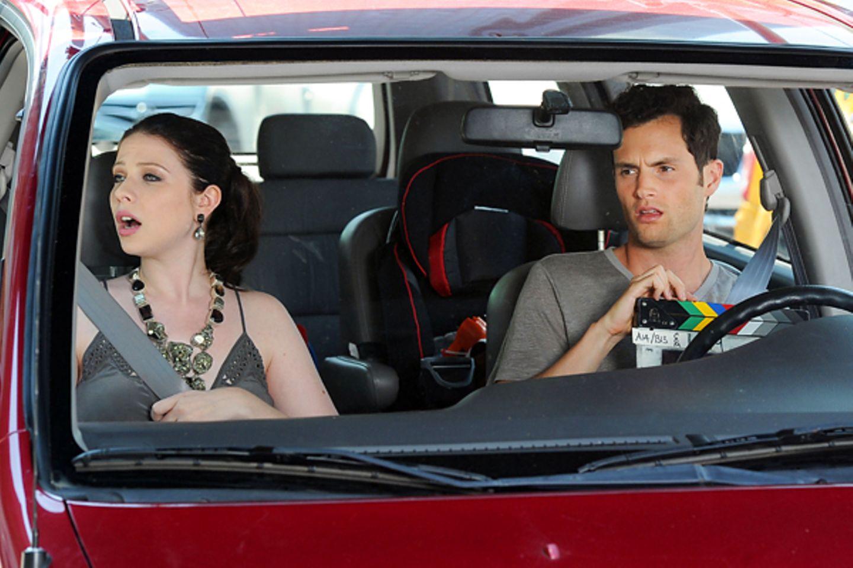 """12. Juli 2012: Michelle Trachtenberg und Penn Badgley drehen in Queens eine Szene für """"Gossip Girl""""."""