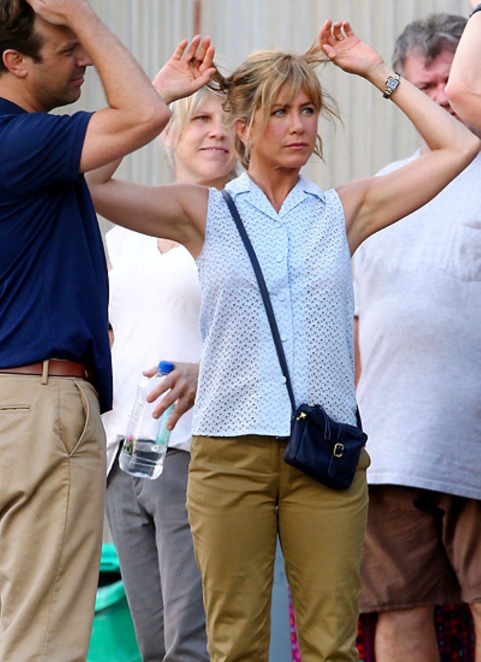 """23. Juli 2012: Gemeinsam mit Jason Sudeikis steht Jennifer Aniston für die Komödie """"We're the Millers"""" vor der Kamera."""