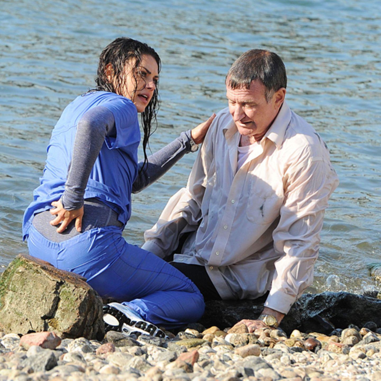 """25. September 2012: Mila Kunis rettet dem """"Angriest Man in Brooklyn"""" Robin Williams sein Leben und fischt ihn aus dem East River"""