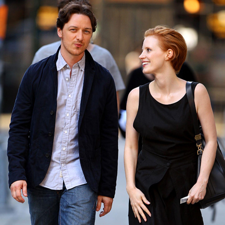 """30. Juli 2012: James McAvoy und Jessica Chastain stehen für """"The Disappearance of Eleanor Rigby: His"""" vor der Kamera."""