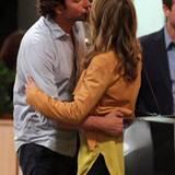 """12. September 2012: Bradley Cooper dreht in Los Angeles gemeinsam mit Gillian Vigman eine Kuss-Szene für """"The Hangover Part III"""