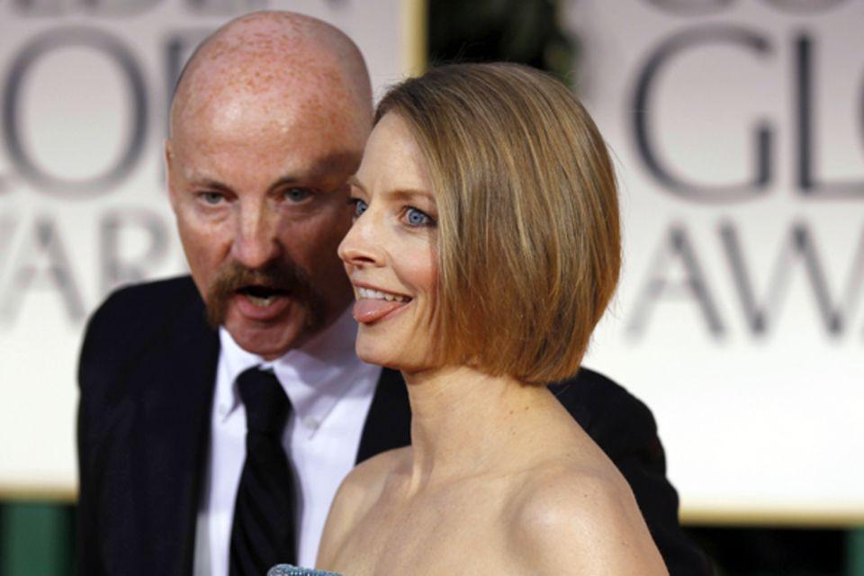 Was Jodie Foster da wohl gerade ins Ohr geflüstert bekommt?