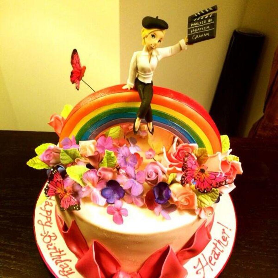 Heather Graham ist der Star ihrer eigenen Geburtstagstorte.