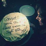 """Ist man mit Robbie Williams verheiratet, weiß man vermutlich worauf man sich da eingelassen hat. Ganz charmant gratuliert Robbie seiner Frau Ayda Field zum Geburtstag mit einem Spruch: """"Gratulation, du bist die älteste Frau, mit der ich je geschlafen haben."""""""