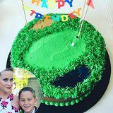 Reese Witherspoons Sohn Deacon liebt Golf. Deshalb bekommt er zum zwölften Geburtstag natürlich eine Golfplatztorte.