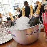 Der Champagner von Pommery steht für die Fashion Bruncher schon eisgekühlt bereit.