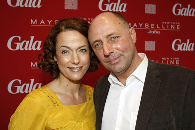 Claudia Michelsen posiert mit GALA-Chefredakteur Peter Lewandowski