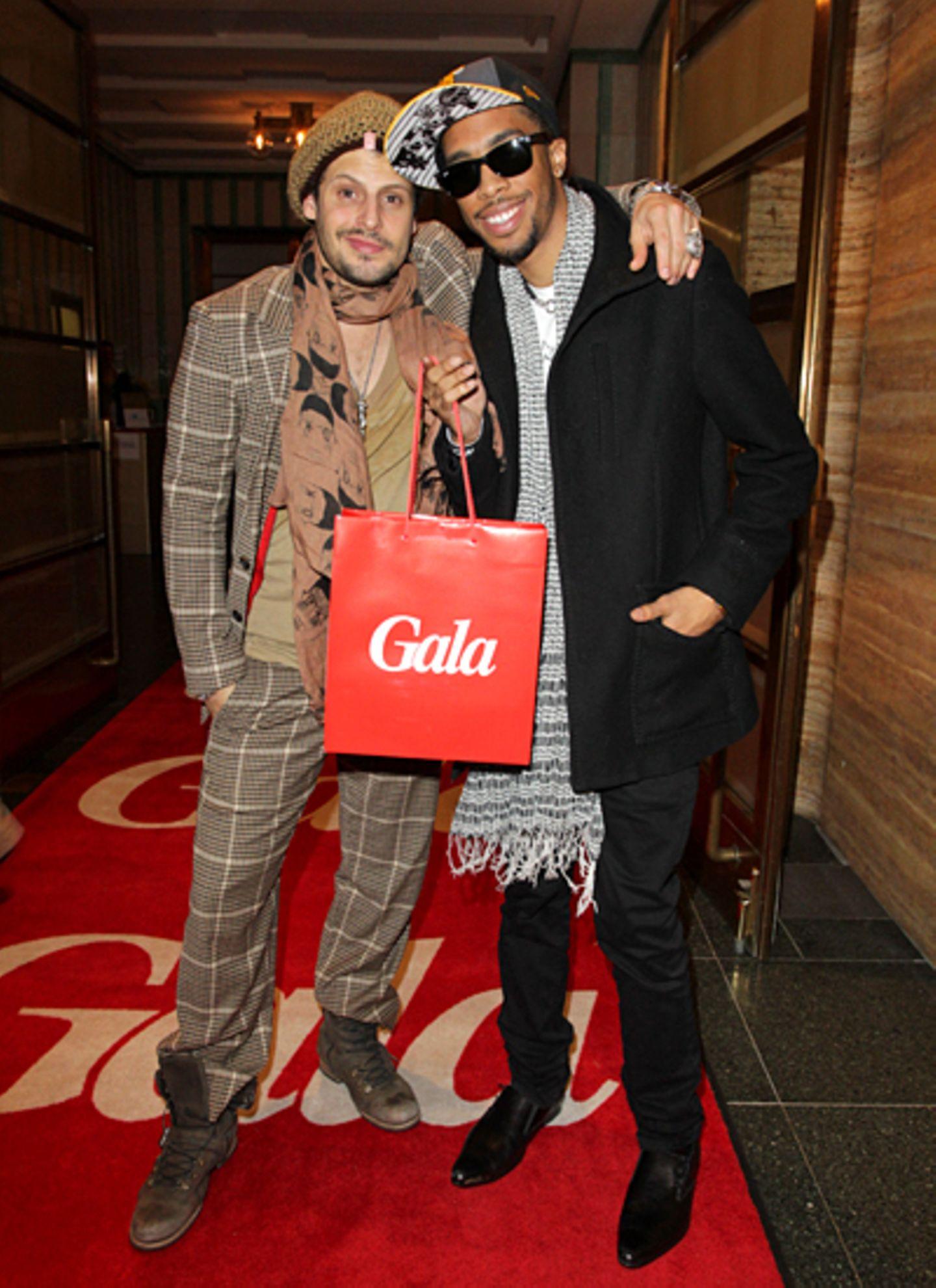Erholt, gestärkt und mit Goodie Bag versorgt: Manuel Cortez und Modedesigner Matthew Finley