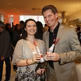 Kathrin Maier (Coca-Cola) und Verlagsleiter Nils Oberschelp
