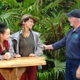 Dr. Bob begrüßt Kim und Radost zu ihrer Dschungelprüfung -Hoffentlich haben die beiden Hunger mitgebracht.