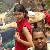 Er hat doch nicht eben... doch hat er! Micaela ist verwirrt über die Grabschattacke ihres Dschungelkollegen.