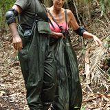 Ailton und Brigitte brechen zur Schatzsuche auf und sind erfolgreich. Zurück im Lager gibt es eine Belohung.
