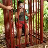 Am zweiten Tag wurde Kim von den Zuschauer zur Dschungelprüfung gewählt. Mutig lässt sich das Dschungel-Küken in einen Käfig spe
