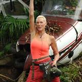 """Dschungel-Amazone Brigitte Nielsen tritt zur Dschungelprüfung an. Mit ihrem Schlachtruf """"I Feel Good"""" startet sie zur Sternensuc"""