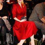 Fashion Week Berlin: Auffällig in Rot hat Mirja du Mont bei der Lena Hoschek Show in der ersten Reihe Platz genommen.