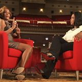 """2009  Alles überstanden?! In der Erfolgsshow """"Oprah"""" berichtet Whitney Houston der Moderatorin und ihrem Publikum in einem langen Interview über die Überwindung der Drogensucht und ihre gescheiterte Ehe. Ein erneuter Erfolgsschub: Ihr Album """"I Look To You"""" belegt Platz 1 in den USA und Kanada."""
