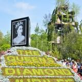 """Auch die Gärtner läuten das Thronjubiläum der Queen auf der """"Chelsea Flower Show"""" in London ein."""