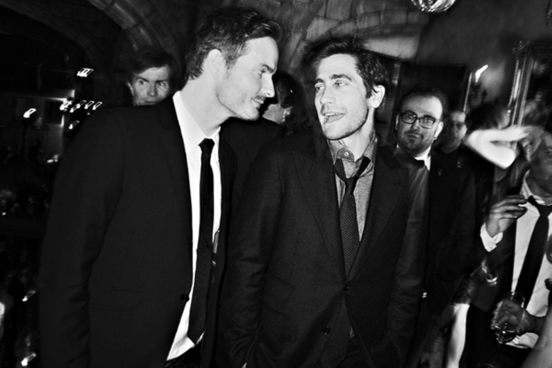 GALA-Redakteur Roland Rödermund tauscht sich mit Hollywood-Star und Jurymitglied Jake Gyllenhaal aus.