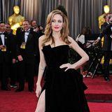 2012: Angelina Jolie in Atelier Versace
