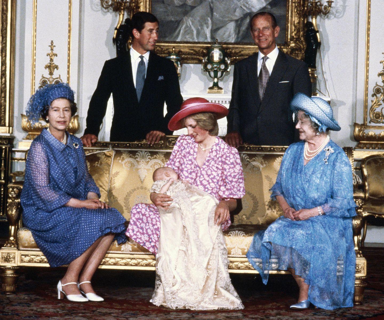 4. August 1982  Prinz William wird getauft: DieWindsors präsentieren stolz das bis dahin jüngste Mitglied der königlichen Familie.
