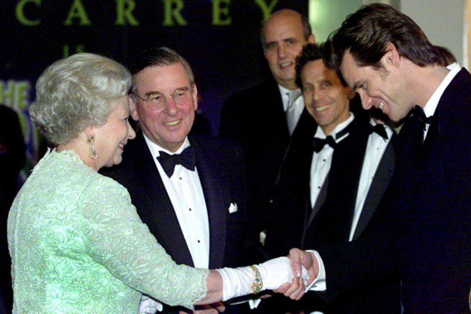 2000: Königin Elisabeth II. und Jim Carrey